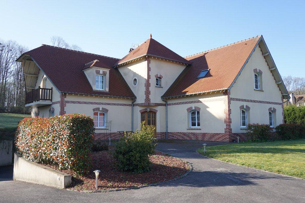 Maison à vendre 6 242.85m2 à Gournay-en-Bray vignette-1