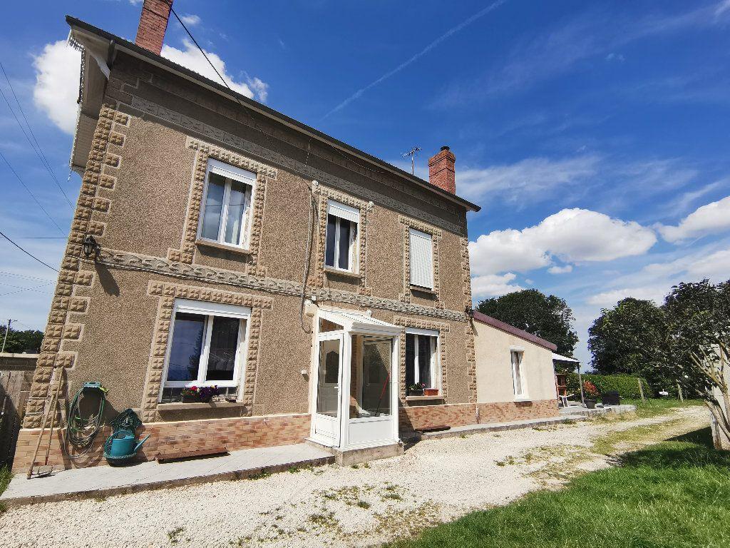 Maison à vendre 7 182m2 à Guerny vignette-1