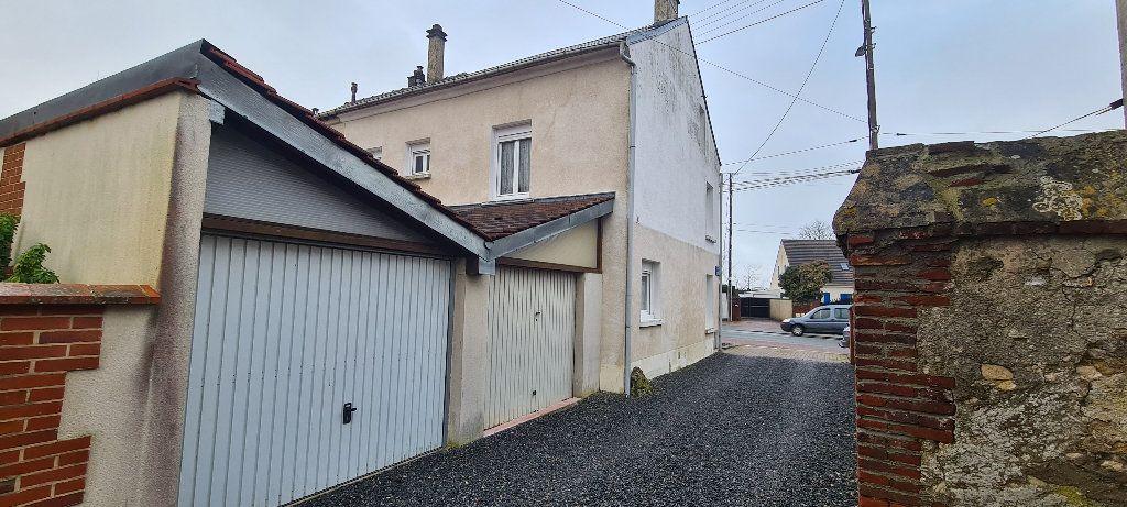 Maison à vendre 4 90m2 à Sainte-Geneviève vignette-1