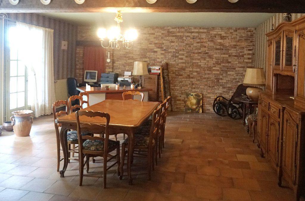 Maison à vendre 7 171m2 à Forges-les-Eaux vignette-3
