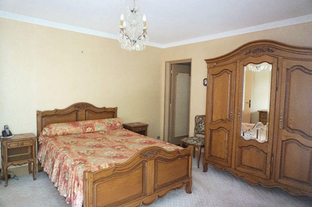 Maison à vendre 7 171m2 à Forges-les-Eaux vignette-10