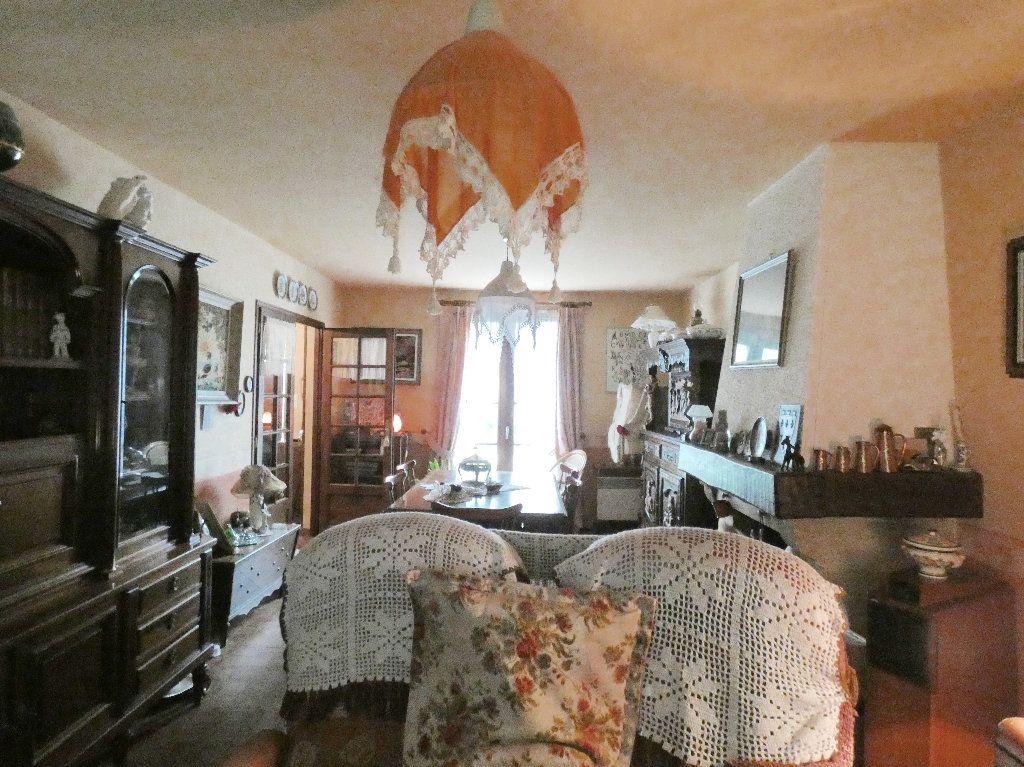 Maison à vendre 5 100m2 à Lyons-la-Forêt vignette-2