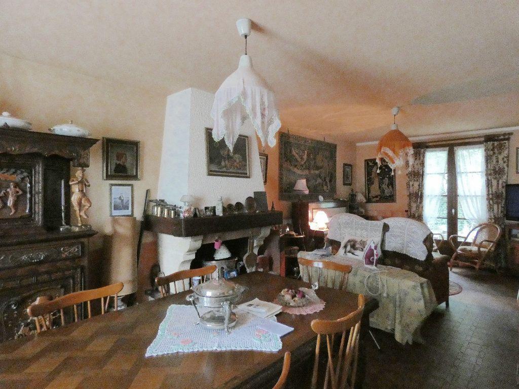 Maison à vendre 5 100m2 à Lyons-la-Forêt vignette-3