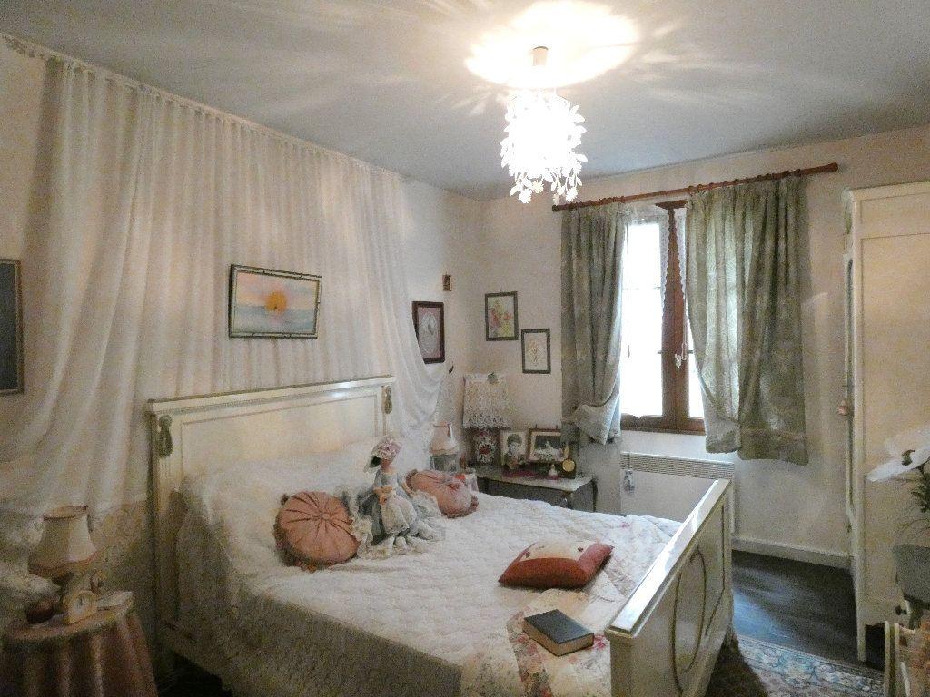 Maison à vendre 5 100m2 à Lyons-la-Forêt vignette-5
