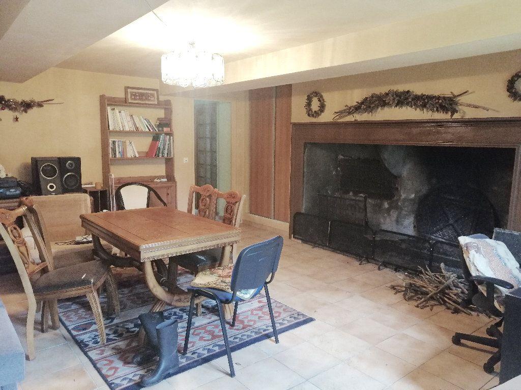 Maison à vendre 44 1269m2 à Marseille-en-Beauvaisis vignette-11