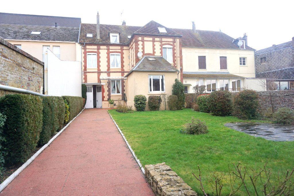 Maison à vendre 10 206m2 à Gournay-en-Bray vignette-1