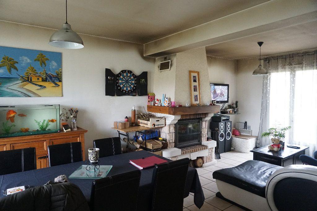 Maison à vendre 5 79.4m2 à Saint-Germer-de-Fly vignette-2