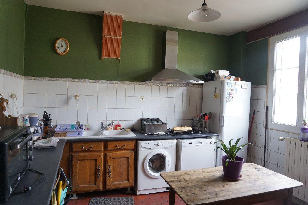 Maison à vendre 9 172m2 à Bézancourt vignette-4