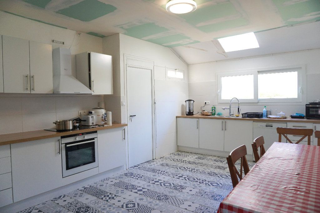 Maison à vendre 9 220m2 à Forges-les-Eaux vignette-4
