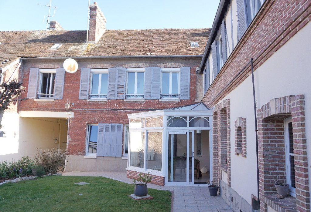 Maison à vendre 9 200m2 à Gournay-en-Bray vignette-1