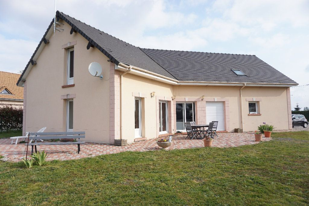 Maison à vendre 6 132.1m2 à Cuy-Saint-Fiacre vignette-1