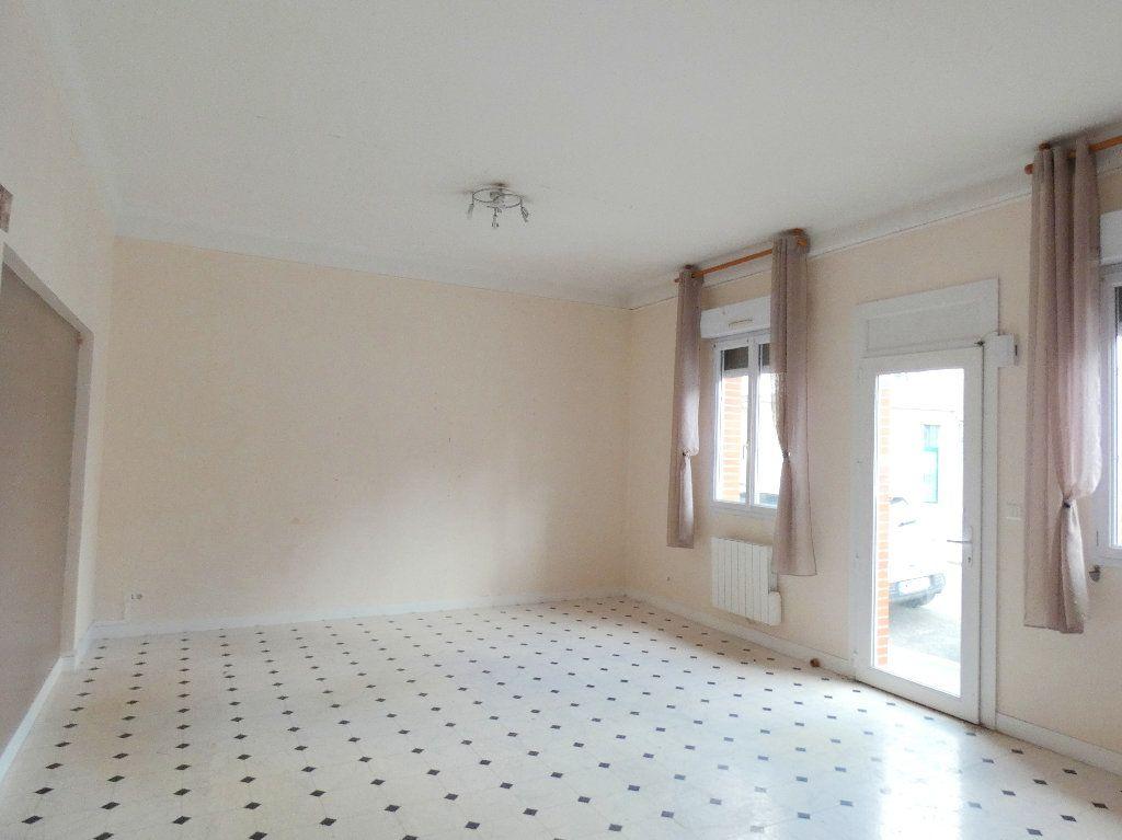 Immeuble à vendre 0 162.3m2 à Gournay-en-Bray vignette-2