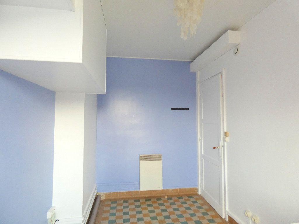 Immeuble à vendre 0 162.3m2 à Gournay-en-Bray vignette-10