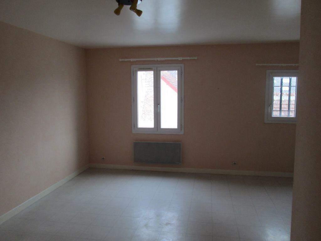 Appartement à louer 1 34m2 à Romorantin-Lanthenay vignette-2