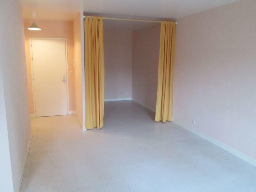 Appartement à louer 1 34m2 à Romorantin-Lanthenay vignette-3