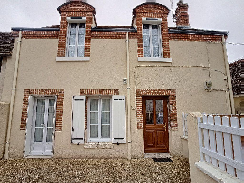 Maison à vendre 4 82.93m2 à Loreux vignette-1