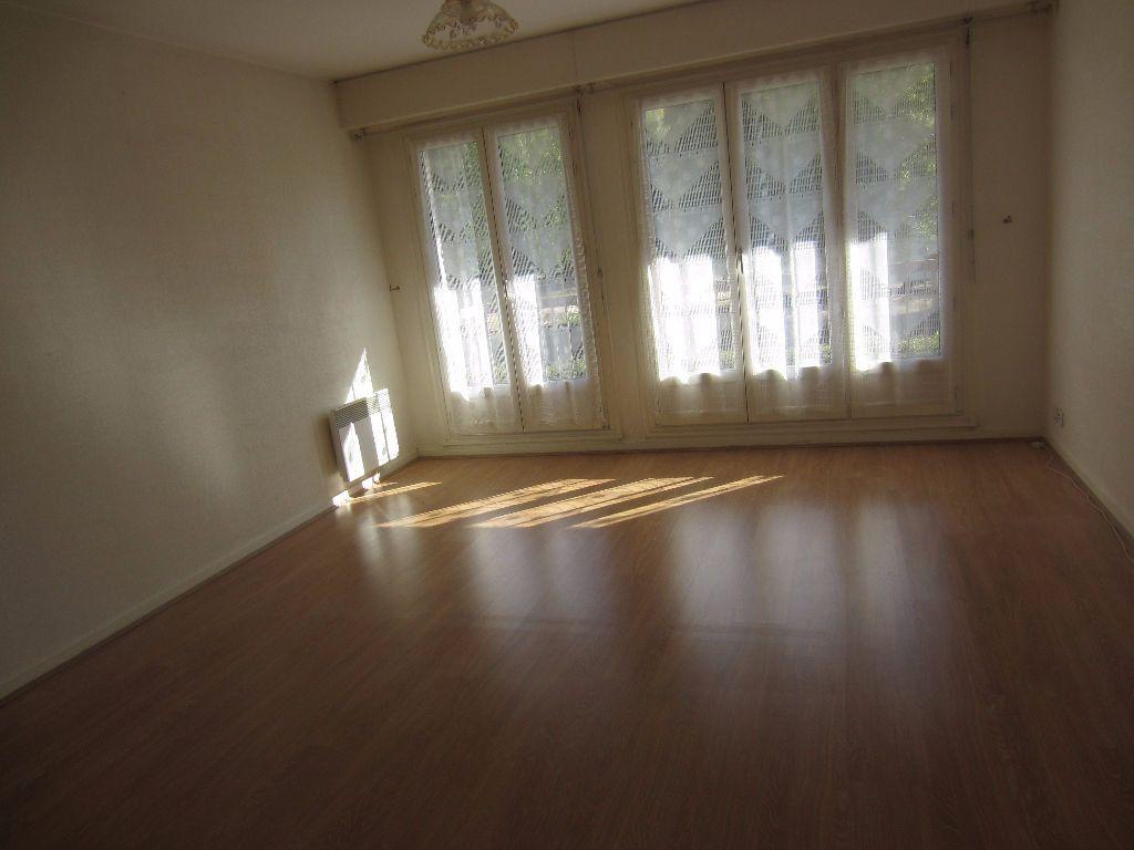 Appartement à louer 2 48m2 à Romorantin-Lanthenay vignette-5