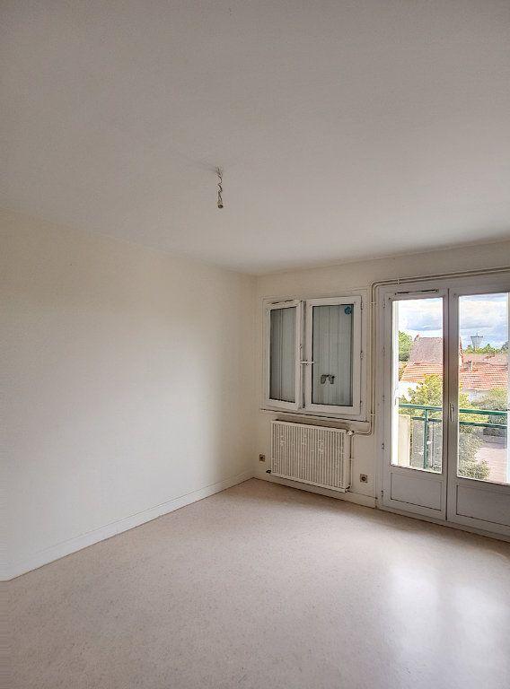 Appartement à louer 3 71m2 à Romorantin-Lanthenay vignette-5