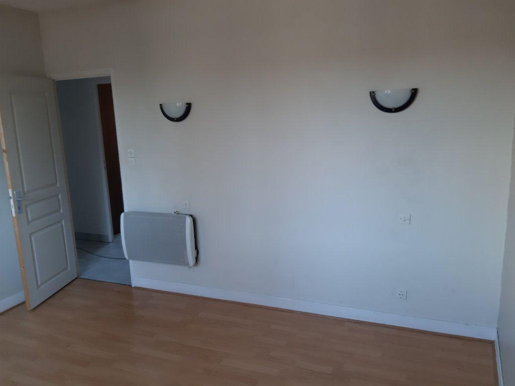 Appartement à louer 2 51.16m2 à Romorantin-Lanthenay vignette-3