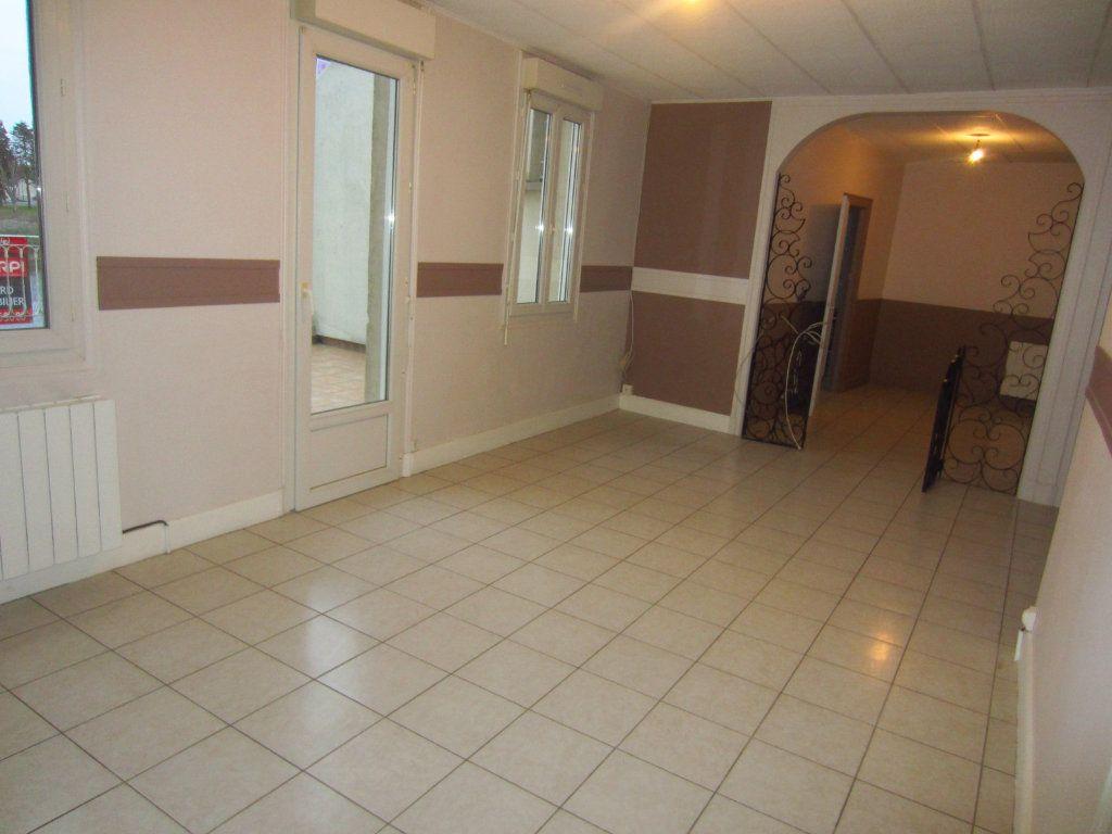 Appartement à louer 2 64m2 à Selles-sur-Cher vignette-1