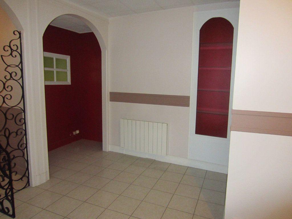 Appartement à louer 2 64m2 à Selles-sur-Cher vignette-4
