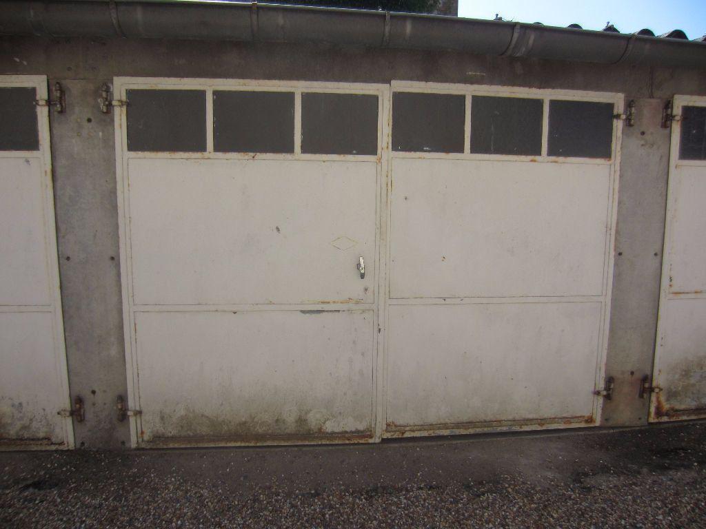 Stationnement à louer 0 15m2 à Romorantin-Lanthenay vignette-1