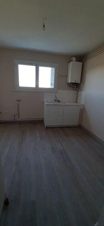 Appartement à louer 4 80m2 à Romorantin-Lanthenay vignette-2