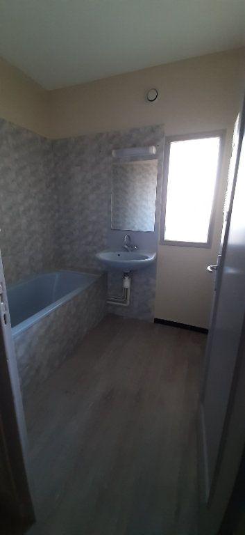 Appartement à louer 4 80m2 à Romorantin-Lanthenay vignette-4