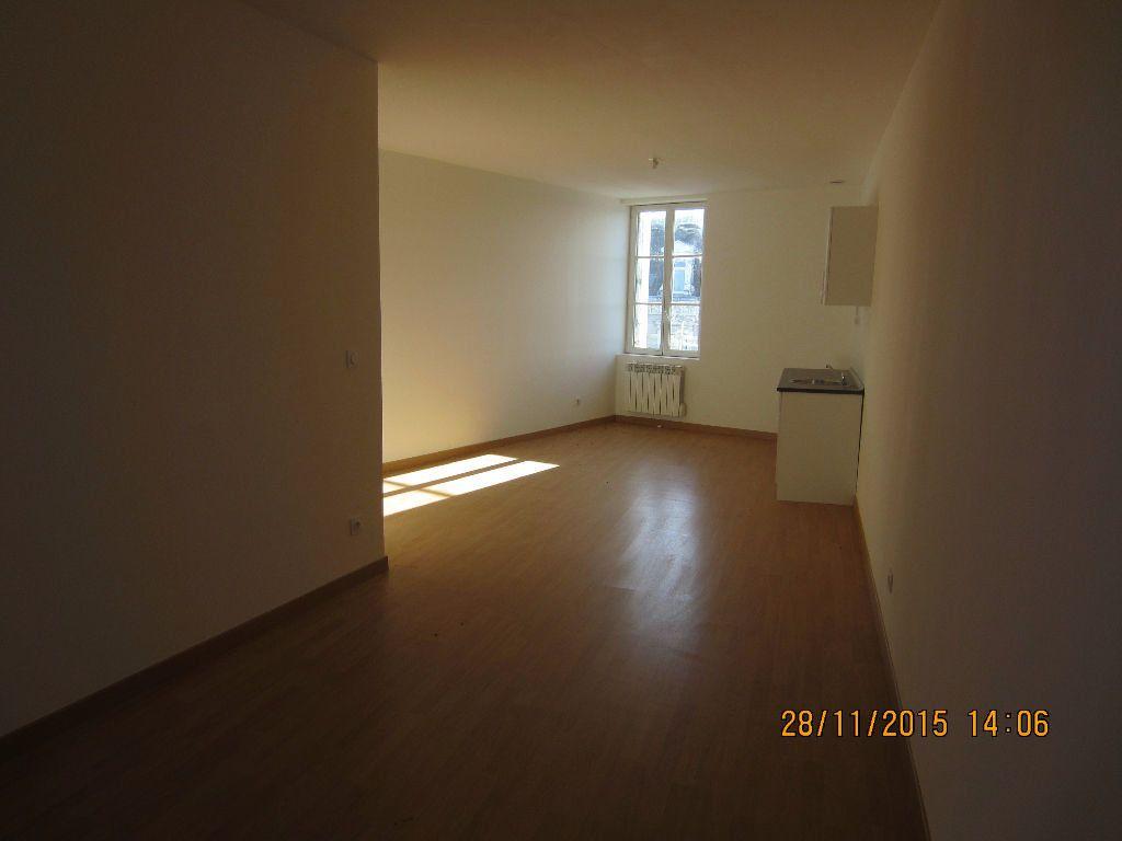 Appartement à louer 3 48m2 à Romorantin-Lanthenay vignette-7