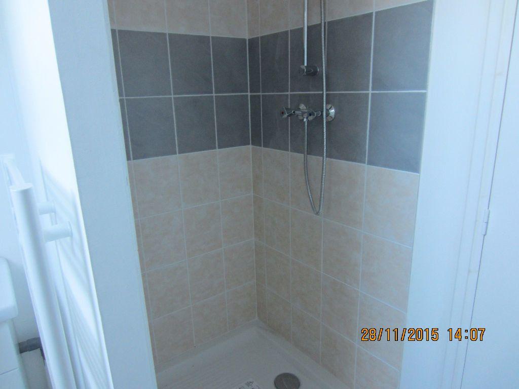 Appartement à louer 3 48m2 à Romorantin-Lanthenay vignette-9