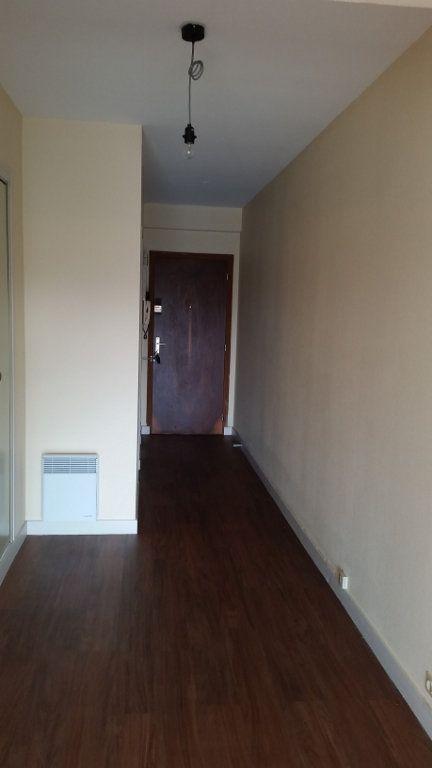 Appartement à louer 4 120m2 à Romorantin-Lanthenay vignette-5