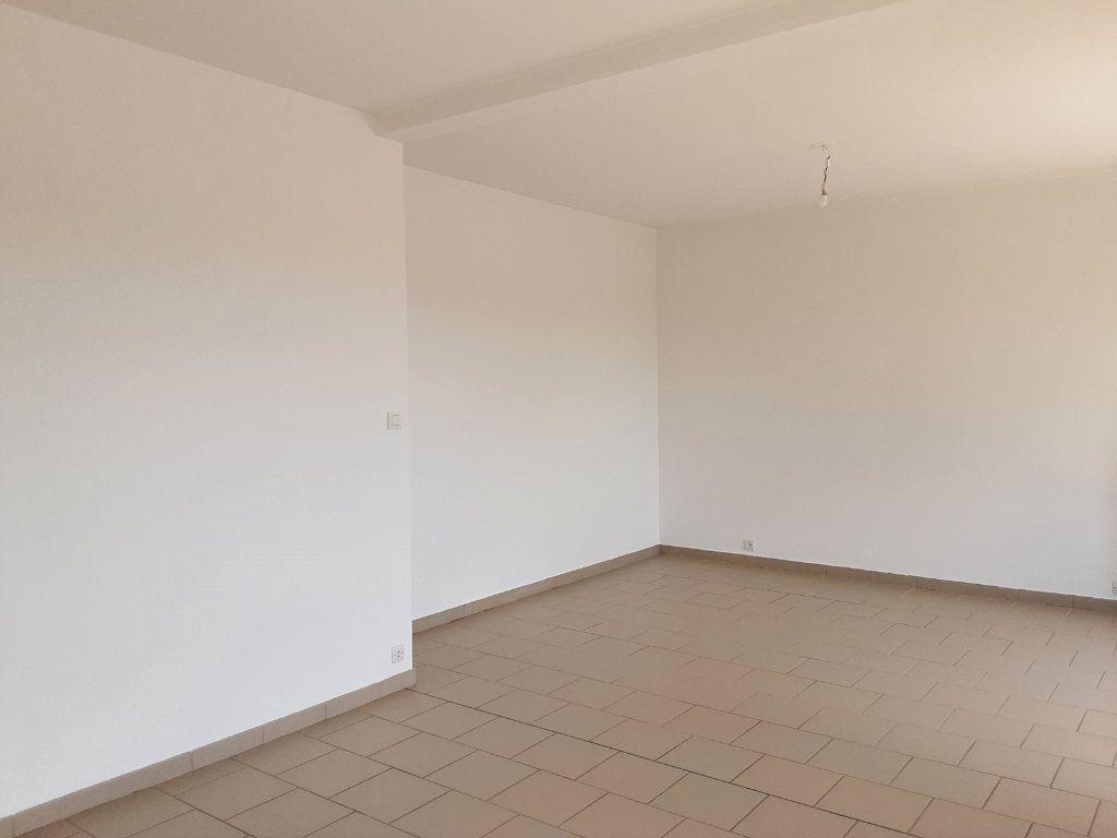 Appartement à louer 3 85m2 à Romorantin-Lanthenay vignette-3