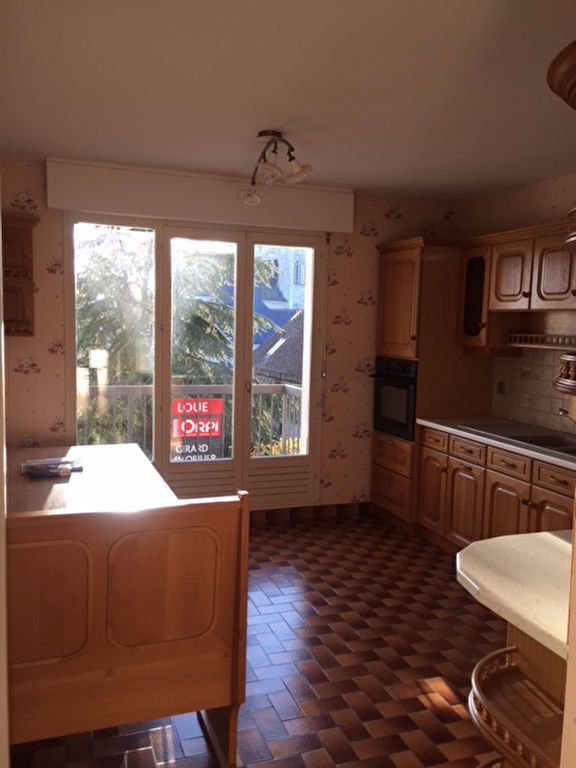 Appartement à louer 4 101m2 à Romorantin-Lanthenay vignette-5