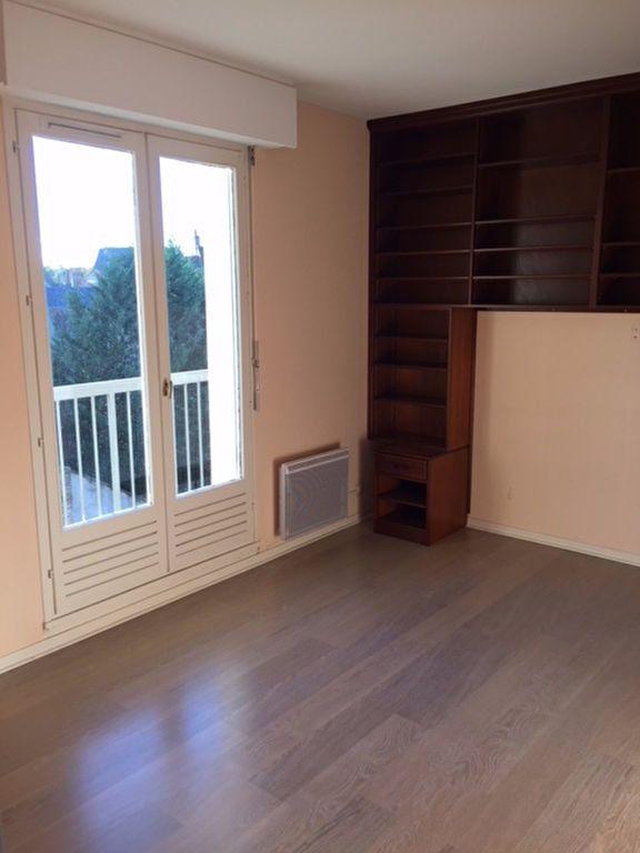 Appartement à louer 4 101m2 à Romorantin-Lanthenay vignette-13