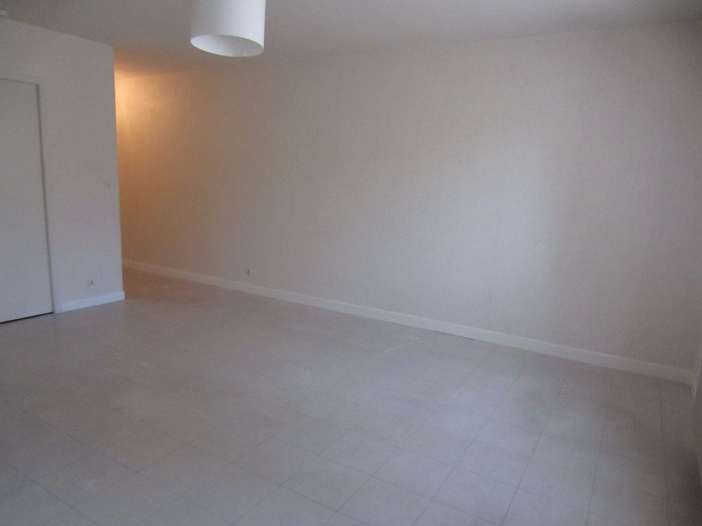 Appartement à louer 2 39.45m2 à Romorantin-Lanthenay vignette-1