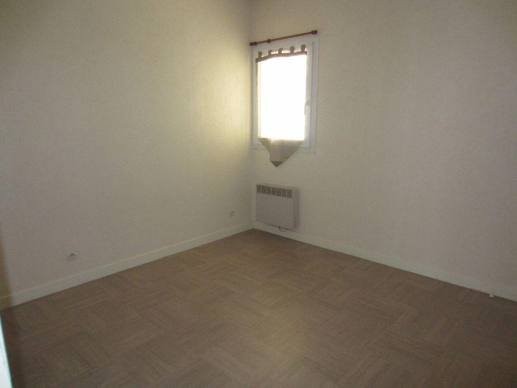 Appartement à louer 2 39.45m2 à Romorantin-Lanthenay vignette-2