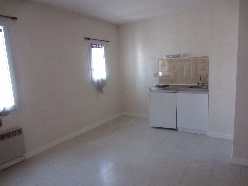Appartement à louer 2 39.45m2 à Romorantin-Lanthenay vignette-5