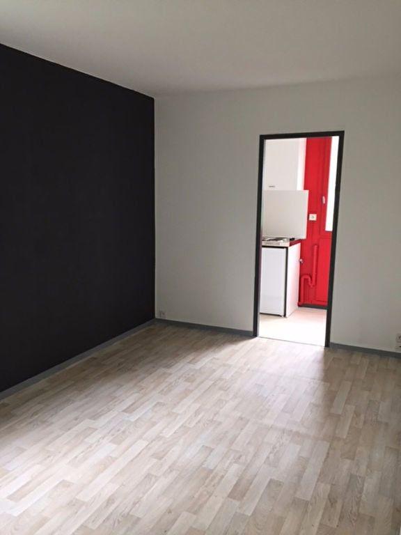 Appartement à louer 2 27m2 à Romorantin-Lanthenay vignette-3