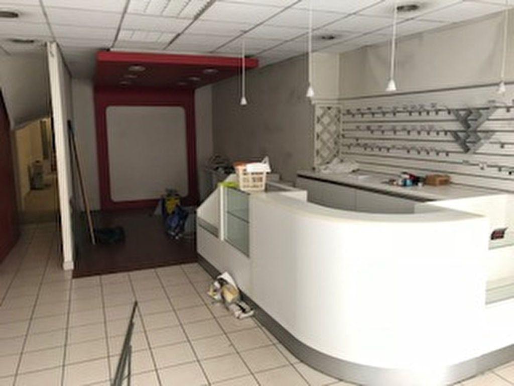 Immeuble à vendre 0 206.85m2 à Romorantin-Lanthenay vignette-4
