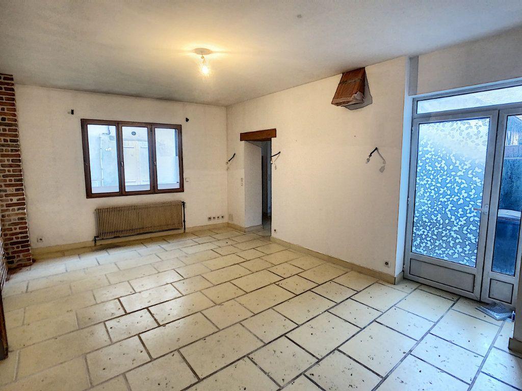Maison à vendre 7 181.36m2 à Romorantin-Lanthenay vignette-2
