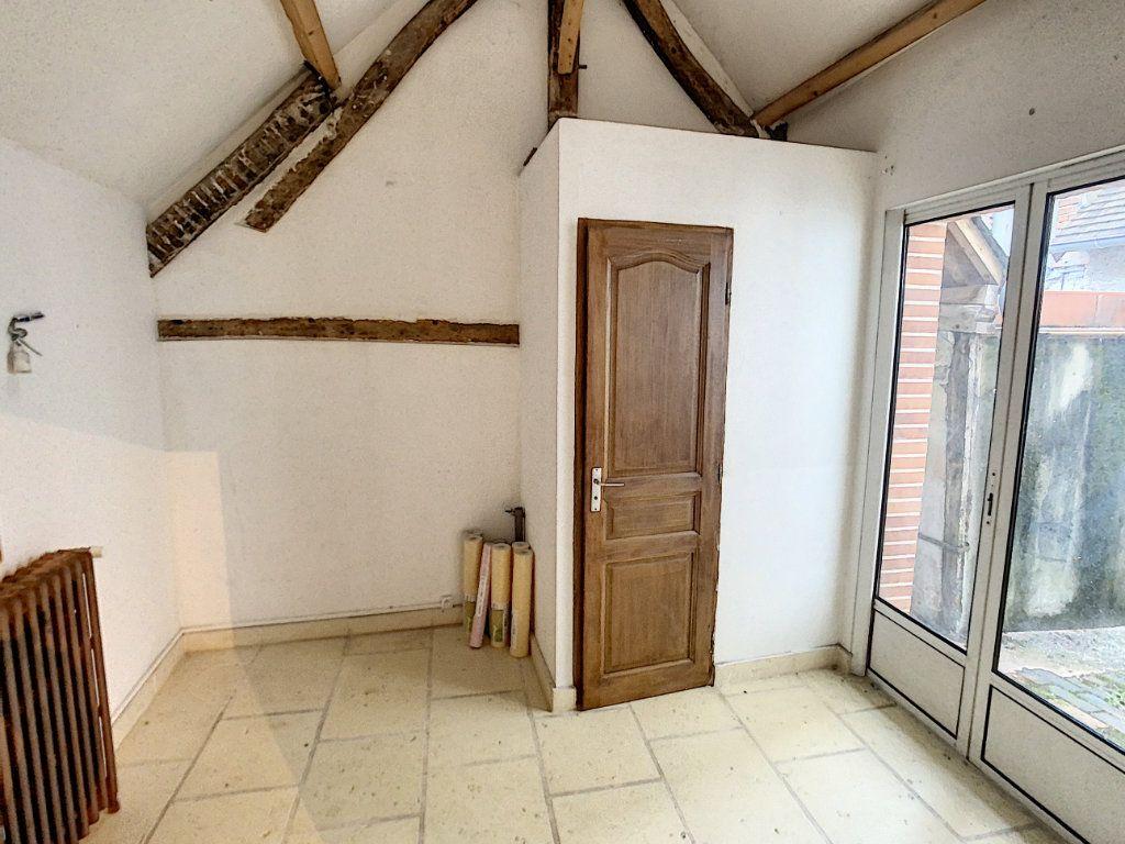 Maison à vendre 7 181.36m2 à Romorantin-Lanthenay vignette-4