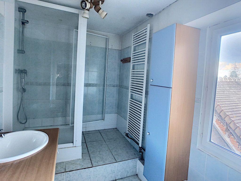 Maison à vendre 7 181.36m2 à Romorantin-Lanthenay vignette-13