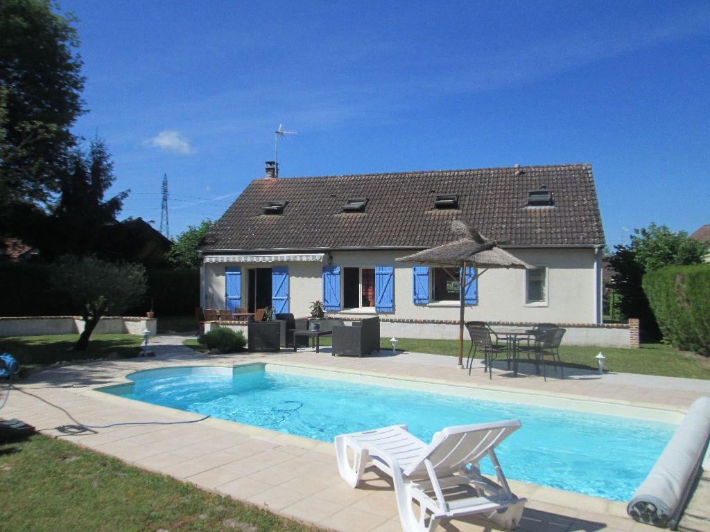 Maison à vendre 5 130m2 à Romorantin-Lanthenay vignette-1