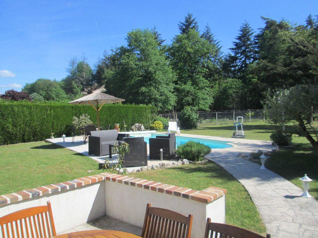 Maison à vendre 5 130m2 à Romorantin-Lanthenay vignette-2