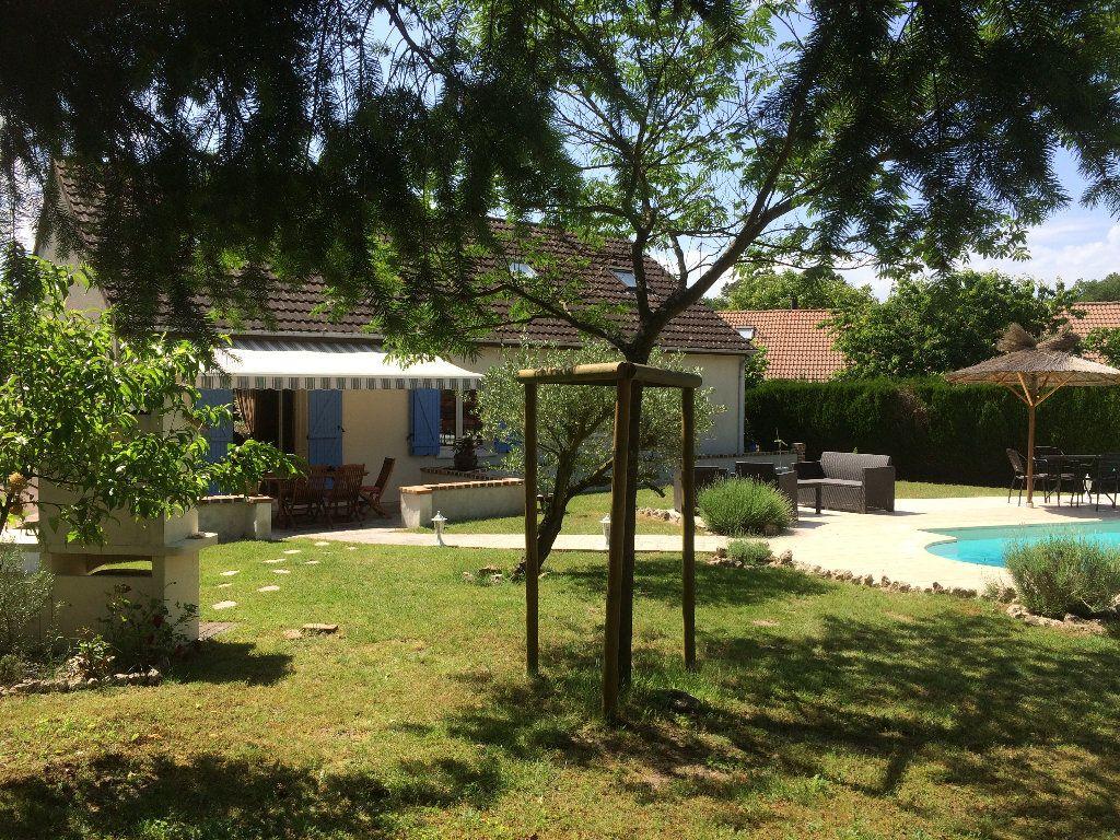 Maison à vendre 5 130m2 à Romorantin-Lanthenay vignette-3