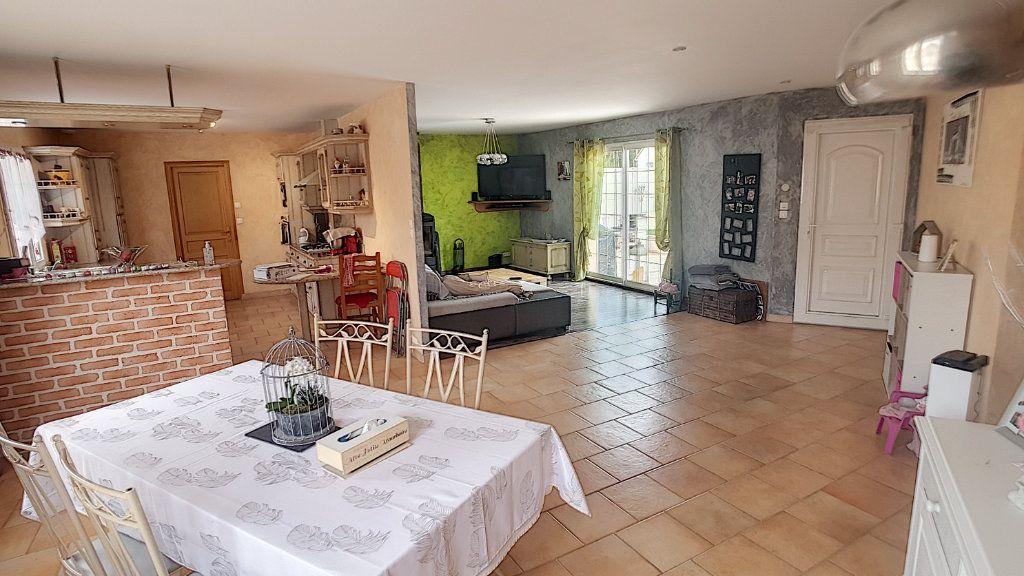 Maison à vendre 6 147.53m2 à Gièvres vignette-2