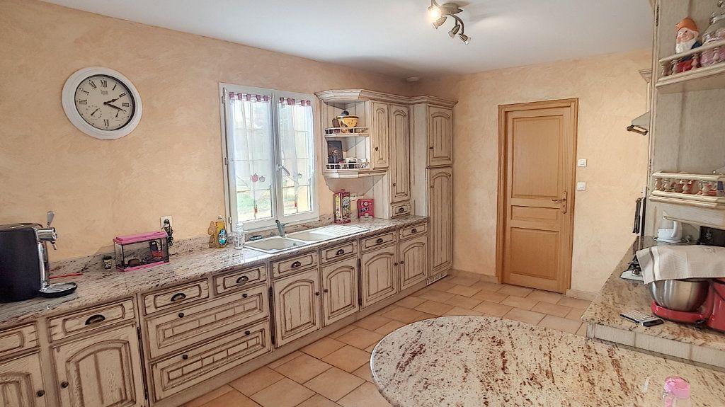 Maison à vendre 6 147.53m2 à Gièvres vignette-3