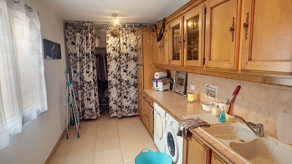 Maison à vendre 6 147.53m2 à Gièvres vignette-13