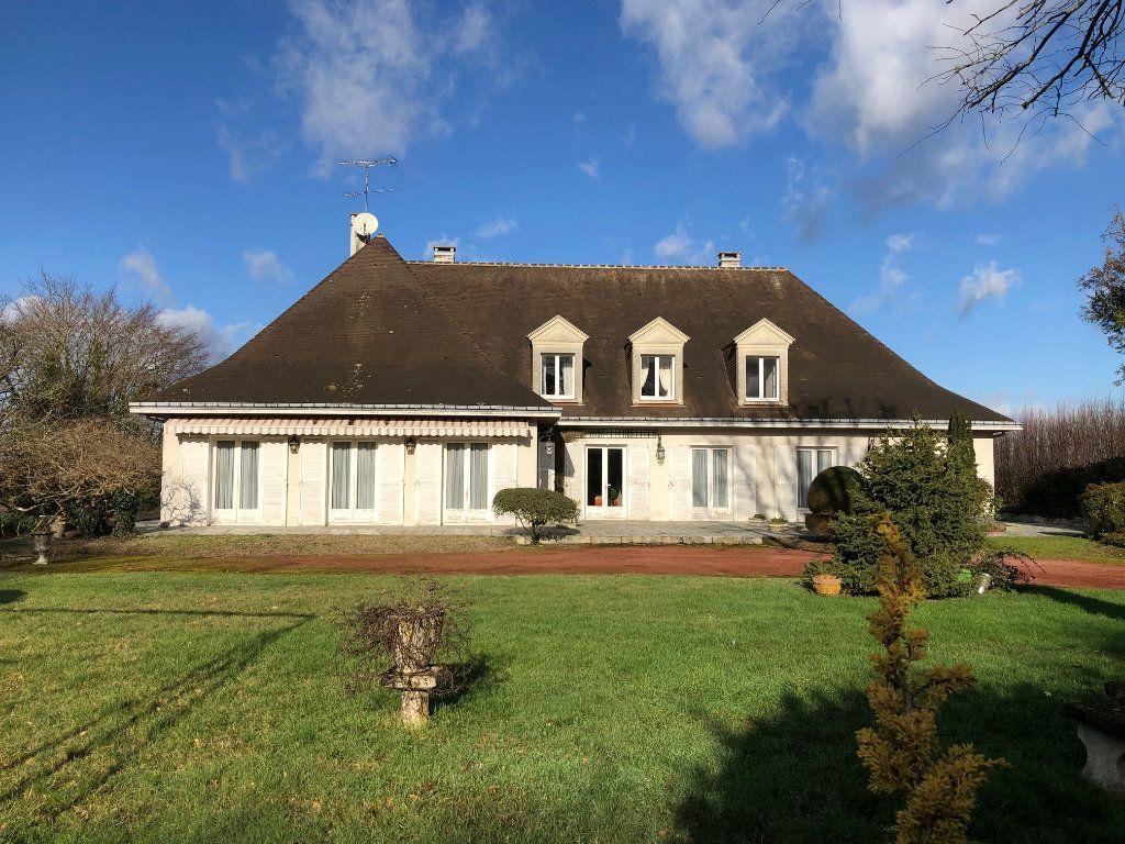 Maison à vendre 8 388m2 à Romorantin-Lanthenay vignette-1
