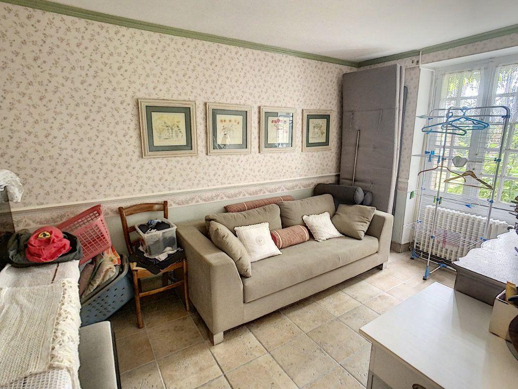 Maison à vendre 5 159m2 à Chémery vignette-5